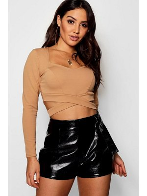 Boohoo Sally Cut Out Long Sleeve Bralet