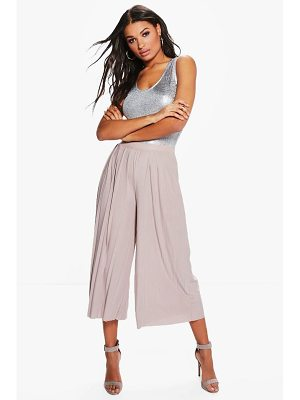 Boohoo Slinky Pleated Wide Leg Cropped Pants