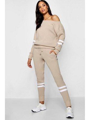 Boohoo Sport Stripe Detail Knitted Jogger Set