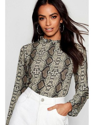 Boohoo Woven Pleated Neck Snake Blouse
