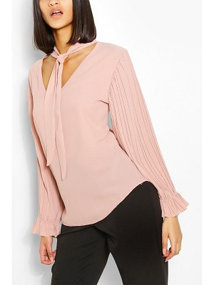 Boohoo Woven Pleated Sleeve Pussybow Blouse