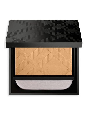 Burberry discover matte glow compact