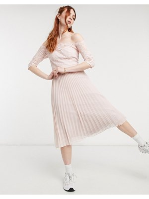 Chi Chi London rhiann dress in pink