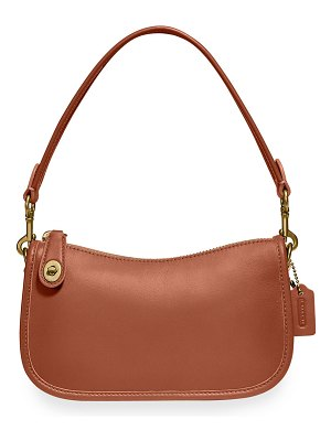 COACH Swinger 20 Glovetanned Leather Shoulder Bag