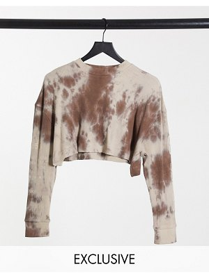 Collusion crop long sleeve waffle t-shirt with sleeve print in brown