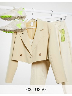 Collusion cropped blazer in tan-pink