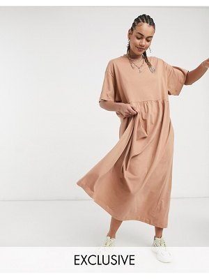 Collusion maxi smock dress in dark beige-brown