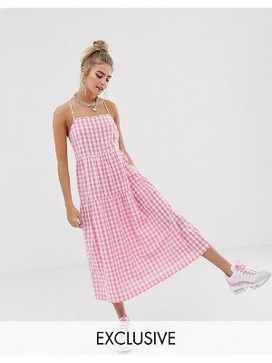 Collusion tiered cami smock midi dress in gingham seersucker-pink