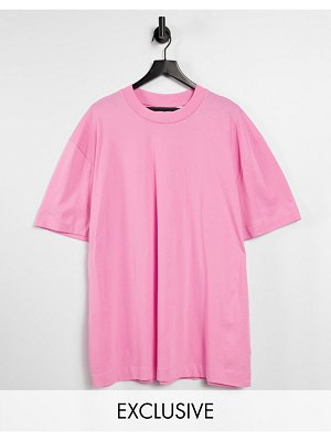 Collusion unisex organic t-shirt in pink