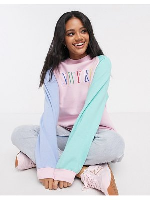 Daisy Street oversized color block raglan sweatshirt with vintage new york print-pink