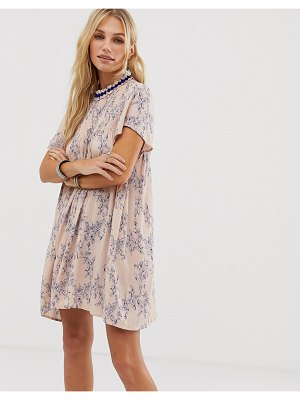 En Cr me en creme swing dress in vintage floral with neck detail