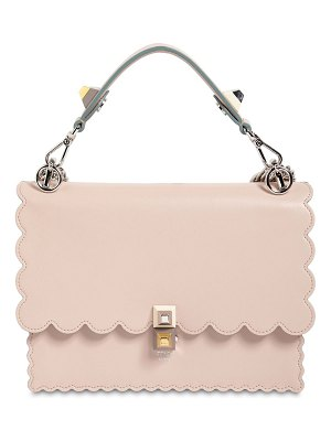 Fendi Medium kan i scalloped leather bag