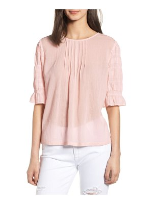 Hinge pretty pleated top