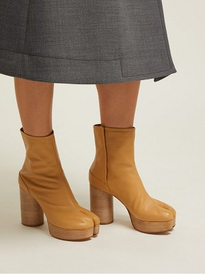 MAISON MARGIELA tabi platform split toe leather ankle boots