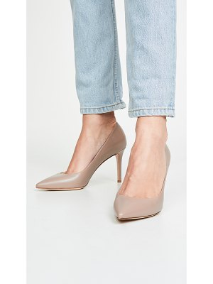 Marion Parke must have point toe pumps