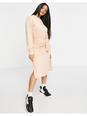 MISSGUIDED basic midi sweater dress with tie belt in sand-neutral