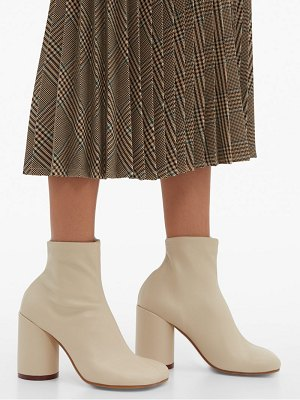 MM6 MAISON MARGIELA square toe leather ankle boots