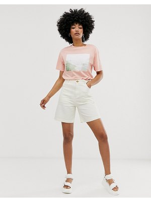 Monki city shorts in off white