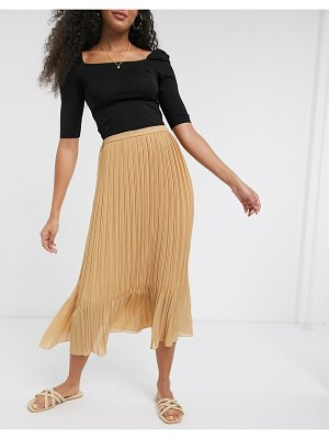 New Look chiffon pleated midi skirt in camel-tan