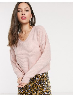 New Look v neck cropped sweater in light pink-tan