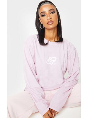 PrettyLittleThing circle logo long sleeve washed t shirt