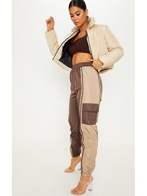 PrettyLittleThing contrast panel pocket shell jogger
