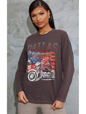 PrettyLittleThing dallas printed stone washed long sleeve t shirt