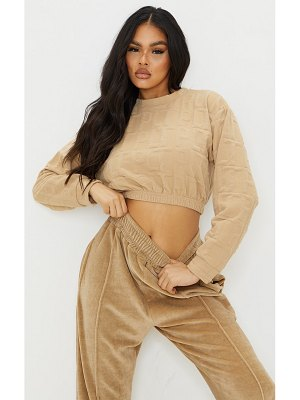 PrettyLittleThing embossed elasticated crop sweat
