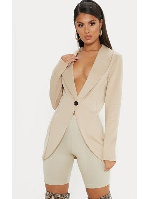 PrettyLittleThing fitted blazer