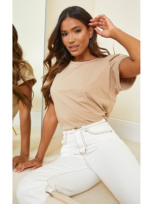 PrettyLittleThing low arm t shirt