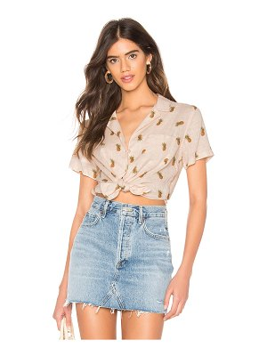 Rails zuma button down top