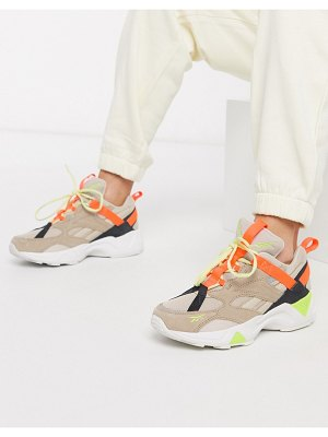 Reebok aztrek double in beige and orange