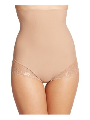 Simone Perele top model high-waist brief