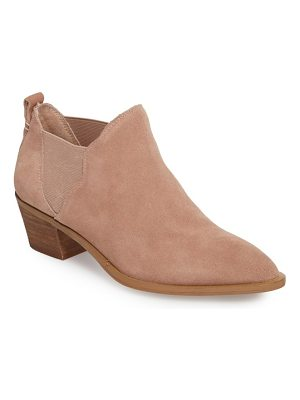 SOLE SOCIETY Nancy Scalloped Chelsea Bootie