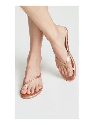 TKEES riley flip flops