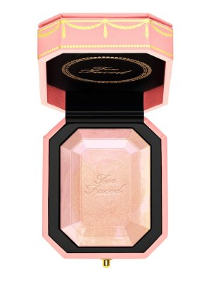 Too Faced pretty rich diamond light highlighter
