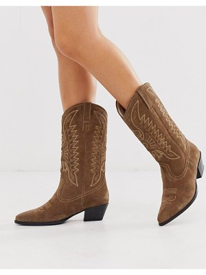 Vagabond emily western knee high mid ankle boot in taupe suede-beige