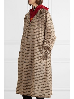 VETEMENTS printed coated-shell raincoat