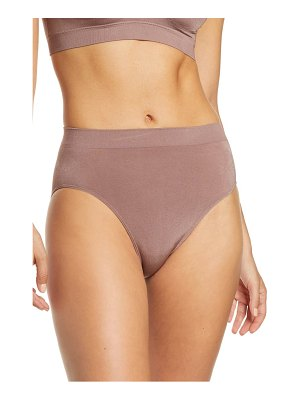 Wacoal b-smooth seamless hi-cut briefs